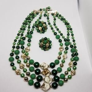 Jewelry - Vintage jewelry set